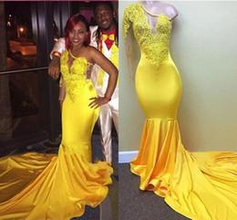 Vestido amarillo para baile de graduación juniors online-Nuevo amarillo de un hombro de manga larga sirena vestidos de baile 2019 apliques de encaje chicas negras Junior vestidos de baile vestidos de noche largos BA7778