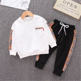 2019 roupa de saia polka dots 2pcs / define bebé Roupa conjuntos Malha camisola + Esportes calças crianças sportswear bebê crianças Conjuntos para Vestuário Meninos