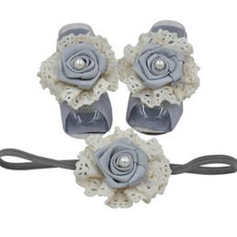 Accesorios para pies infantiles online-Flor color de rosa recién nacido pie vendas del bebé 3 unids / set niñas diseñador diadema infantil diseñador vendas del bebé accesorios de encaje niños diadema
