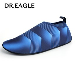 Niños zapatos descalzos online-Dr.eagle Kids niños niña niño zapatillas de deporte de secado rápido zapatillas para nadar calcetines de agua de playa zapatos de surf descalzos