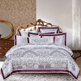 Ropa de cama de satén rosa de lujo online-Juego de cama de lujo de estilo europeo, de estilo barroco, con jacquard y satén Queen King Size Funda nórdica Ropa de cama Sábanas, plata, oro, púrpura, azul y rosa