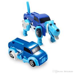 2019 enrolle carros de brinquedo Atacado-4 cores 12CM Cool Transform automática Dog Car Clockwork Wind Up Toy Para Crianças Crianças Boy Girl Car Toy Gift desconto enrolle carros de brinquedo