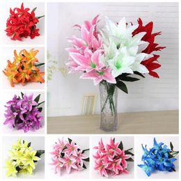 Fiori artificiali accessori decorativi online-10 teste fiore artificiale del giglio fiori di seta artificiali fiore di simulazione fiori decorativi fiori accessori del fumetto cca11022 50 pz
