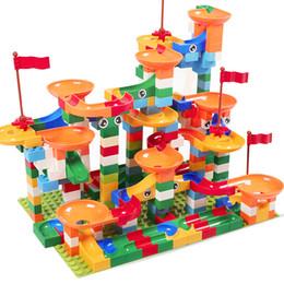 2019 brinquedos para 13 anos meninos 74-296 pcs Marble Run Race Labirinto Bolas Pista Blocos de Construção Funil ABS Grandes Tijolos Compatível duplo presentes das crianças
