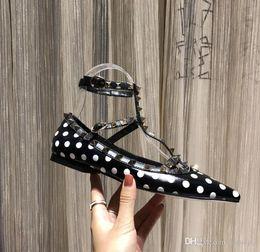 2019 micro meninas vestidos 19 mais recente moda feminina sapatos vestido partido moda rebites meninas sexy apontou sapatos fivela plataforma boca rasa sapatos de casamento desconto micro meninas vestidos