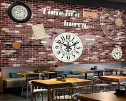 fundos de papel de parede gratuitos Desconto Mural da parede do Vintage Retro Tijolo Papel De Parede Europeu E Americano Parede de Tijolo Relógio Bar Coffee Shop Pintura de Fundo Decoração Frete Grátis