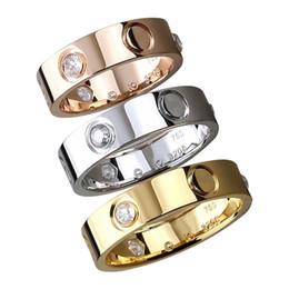 Joyas casadas online-2019 nuevo anillo de pareja de compromiso de matrimonio de oro de acero inoxidable clásico para mujer hombre Diseñador de moda joyería de circón eterna para mujer