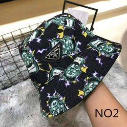 2019 fascinadores de navidad Gorras de diseño Sombreros de ala tacaños de lujo para hombres Mujeres con 2 caras Uso Diseño Marca Equipada Primavera Otoño Sombreros Gorra de tapas calientes de alta calidad