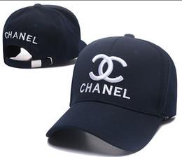 New Designer de luxo Dad Hats Boné de beisebol para homens e mulheres Marcas famosas de algodão ajustável Crânio Esporte Golf Curvo Hat gorra casquette óssea de Fornecedores de hoodie de venda quente