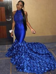 Vestidos de dia azul real on-line-Royal Blue Sereia Vestidos de Baile 2019 New 3D Rose Flores Vestidos de Festa Ocasião Especial Vestido Dubai 2k19 Black Girl Casal Dia Sem Encosto