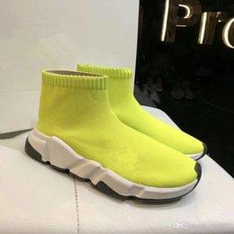mens amarela tornozelo meias Desconto Nova Velocidade Runner Malha Meia Sapato Original Trainer de Luxo Corredor de Tênis Das Mulheres Dos Homens Sapato Esportes Vermelho Amarelo Ankle Boots fz18072632