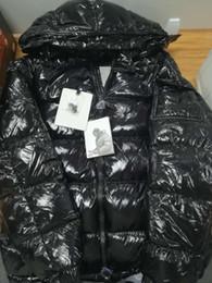 Casacos de moda de inverno on-line-Mens Designer Jacket Brasão Outono Inverno Grosso preto Brasão de Down Zipper Moda Marca Brasão Tamanho exterior revestimentos de esporte asiático 19ss Inverno