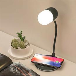 lámpara qi Rebajas Carga USB Lámpara de mesa de escritorio LED QI Teléfono inalámbrico Cargador Bluetooth Altavoz Luz