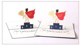 Lote pequeño 5 UNIDS Creativo 3D Tarjeta de Felicitación de Papel Mejor Super Papá regalo del día de padre Enhorabuena Decoración Suministros Freeshipping desde fabricantes