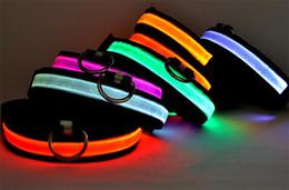 Collare di sicurezza a LED in nylon con collare per cani Collari di sicurezza a LED per cani e gatti da ha condotto il collare del cane da compagnia di nylon fornitori