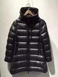 M2 donna suyen Una giacca con cappuccio stile piumino di alta qualità bianco anatra inverno parka design inverno tuta sportiva di colore nero da