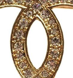 Letras alfanuméricas on-line-Não transformados de luxo carta de diamante broches alto grau Gem Pin broche de cristal de moda mulheres cartas Designer de broche de jóias