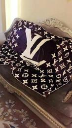 sofá moderno marrom Desconto Cobertura da letra da promoção do tempo limitado multi função quatro coberturas macias que condicionam tapeçarias decorativas