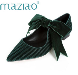 dedo del pie puntiagudo arco negro pisos Rebajas MAZIAO 2019 Velvet Shoes Mujer Ballet Flats Bow Maryne Shoes Primavera Punta estrecha Damas Pisos Calzado Negro Verde