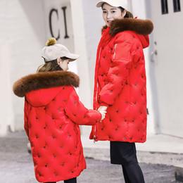 2019 длинные куртки девушки новая модель 2018 новые девушки в длинном разделе больших детей родител-ребенок моделирует пуховик детей дешево длинные куртки девушки новая модель