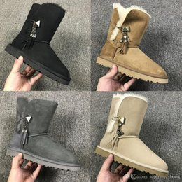 Qualità Best Snow Boots For Women Inverno Nuovo arrivo Donna Classic Marrone Blu scuro Nero Short Mid High Stivaletti di lana Taglia 35-40 cheap womens short snow boots da scarponi da neve donna corti fornitori
