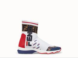 Calcetines altos femeninos online-2018 High-top Designers Zapatos casuales para mujer Slip-on Calcetines negros y blancos Calzado deportivo de lujo para mujer Zapatillas Zapatillas 36-40