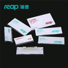 Titolare della carta di nome acrilico online-10 pz / 1 lotto Reap7019 acrilico lucite pins nome tag badge titolare pin badge carta ID titolari lavoro dipendente carta