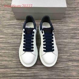 Neues modell 2019 Luxus Frauen Designer Sneakers Freizeitschuhe mit Top Qualität Kleid Schuhe Aus Echtem Leder Schnüren Marke Schuhe Samt von Fabrikanten