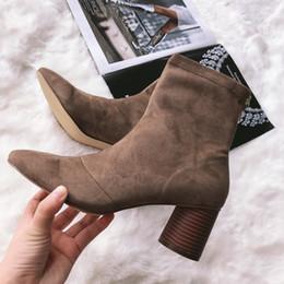botas de corcho Rebajas Botas de calcetín de anillo de metal para mujer 2019 Botines de tacón redondeado de gamuza sintética con tacón redondeado para mujer Zapatos de tacón alto con cremallera Mujer Invierno