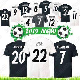 Équipe de football de madrid en Ligne-Maillots du Real Madrid Balles Modric Isco Ronaldo Ramos Kroos Benzema Marcelo Asensio 2018, nouvelle équipe du club, uniforme de football