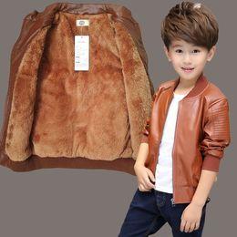 Chaqueta de cuero de los muchachos negro online-Chaqueta New Kids primavera ropa niños del otoño de la capa de cuero PU Negro Boy de la moda de la chaqueta de los muchachos de los niños Ropa de abrigo