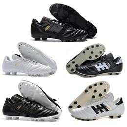 2020 chaussures de football en cuir classiques Vente Hot mens Copa Mundial Noir Blanc Crampons FG Chaussures de soccer pour les classiques Fabriqué en Allemagne en cuir 2019 Coupe du monde de football Bottes chaussures de football en cuir classiques pas cher