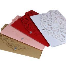 Buste farfalla online-Schede personalizzate per inviti di nozze con farfalle a forma di farfalla con buste da sposa con taglio laser di alta qualità con busta in cristallo