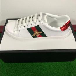 Yeni Rahat moda Tasarımcı ayakkabı ACE işlemeli beyaz kaplan arı ayakkabı Hakiki Deri Tasarımcı Sneaker Erkek Kadın Rahat Ayakkabılar cheap sneaker tiger nereden spor ayakkabı kaplan tedarikçiler