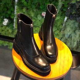 2019 sapatos frontais Novo designer Calçados Femininos Martin Botas Locomotive Botas real Pele de vaca Zippers preto forma front Shoes sapatos frontais barato