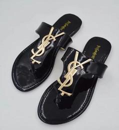 2019 zapatillas doradas Envío gratis Nueva moda sandalias chanclas planas talón mujeres letras doradas sandalias mujeres pisos grandes más rebajas zapatillas doradas