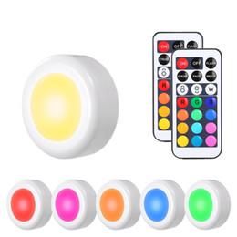 luz de controle remoto com bateria Desconto sob o armário que ilumina luzes do armário do diodo emissor de luz Luzes sem fio do disco do diodo emissor de luz com função de temporizador do controlo a distância Dimmable a pilhas