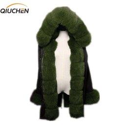 chaqueta de piel forrada con capucha mujer Rebajas Qiuchen PJ6004 parka de piel real con la verdadera piel de zorro Hood y tapeta las mujeres largo modelo chaqueta negro con conejo rex Y191205 forro de piel
