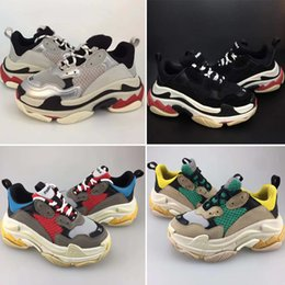 Niños grandes zapatos casuales online-Balenciaga Triple S Sneaker 2019 Kids Luxury shoes Triple-s Big Kids Designer Sneakers Paris Triple S Children Running Calzado casual para niños Chicas Entrenadores talla 28-35