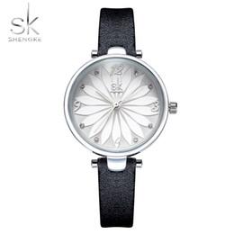 Fournisseur de la Chine Nouvelle montre de dames noires de mode bracelet en cuir imitation montre modèle montre à quartz des femmes ? partir de fabricateur