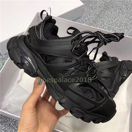 men s casual shoes air Promotion Hommes Femmes Chaussures Casual Track 3.0 Sneakers Tess Paris Hommes Gomma Noir Bas Maille piste 3M Triple S Chaussures de plein air Jogging Maladroit