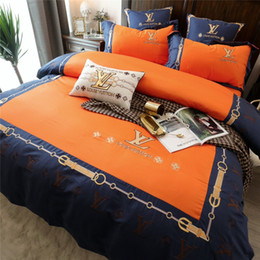 patterned duvets Coupons - Orange L Letter Bed Cover Sets Luxury Designer Comforter Cover New Style Bag Pattern Embroidery Bed Duvet Cover Sets