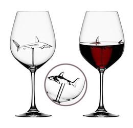 2019 óculos de champanhe de strass Vermelho vidros de vinho - sem chumbo Titanium Cristal Elegância Original tubarão vidro de vinho vermelho com tubarão Dentro provindos longos Copos