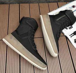 stivali alti di coscia verde dell'esercito Sconti 2019 hot Miglior nero e grigio Qualità Fear of God Top Sneakers militari Hight Army Boots Scarpe moda uomo e donna Martin Boots taglia 38-46