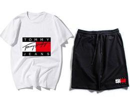 Lettre de marque impression 2 pièces ensemble survêtement femmes Designer plus la taille T-shirts tops + Shorts tenue décontractée femmes survêtement deux pièces sportswear ? partir de fabricateur