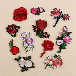 Crazy2019 Diy Patches Plum Rose Para Roupas Remendo Bordado Applique Em Patches Acessórios De Costura Emblema Adesivos Para Roupas Saco 10 pcs de Fornecedores de flores de malha padrões livres