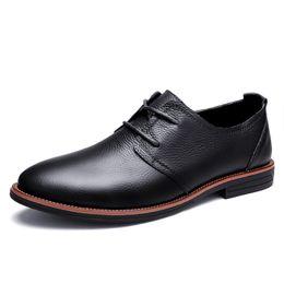GOXPACER Primavera autunno scarpe formali uomo allacciatura tacco piatto  Vintage Business scarpe in vera pelle uomo taglio basso moda confortevole bc19a2db091