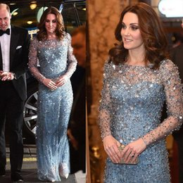 kate middleton azzurro Sconti Kate Middleton Stesso abito lungo da sera in cristallo blu chiaro Gioiello con collo a giro manica lunga Prom Gowns Lunghezza pavimento Abiti formali Occasioni