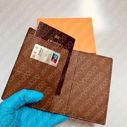 PASSAPORTO PASSAPORTO Womens Unisex Fashion Protezione passaporto Custodia Trendy Porta carte di credito Portafoglio uomo Marrone Iconic Canvas COUVERTURE PASSEPORT da supporto per passaporto su tela fornitori