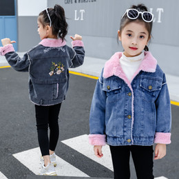 2020 samt-trenchcoats Kinder-Bekleidung Mädchen Denim plus Samt-Jacke Winter New Plus Velvet Thick Denim Mantel Mode Trench Coats Windjacke Kinder Outwear rabatt samt-trenchcoats